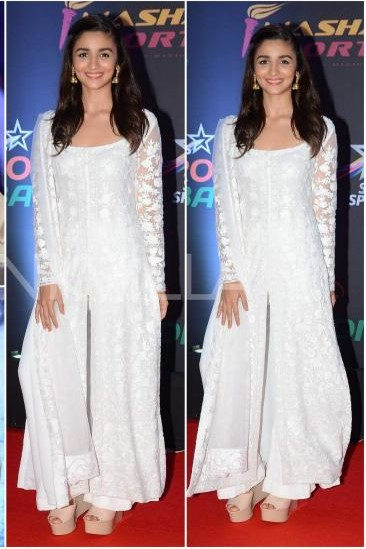 White kurti is a must have wardrobe item