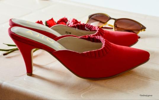 finding perfect pair of heels : Kitten Heels