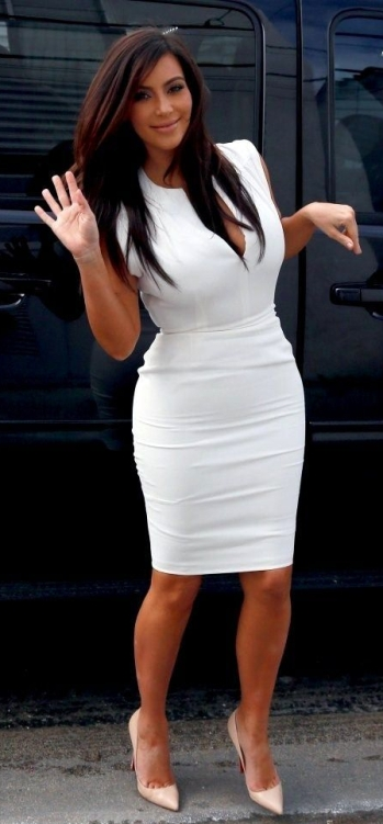 Kim Kardashian petite celebrity fashion hacks