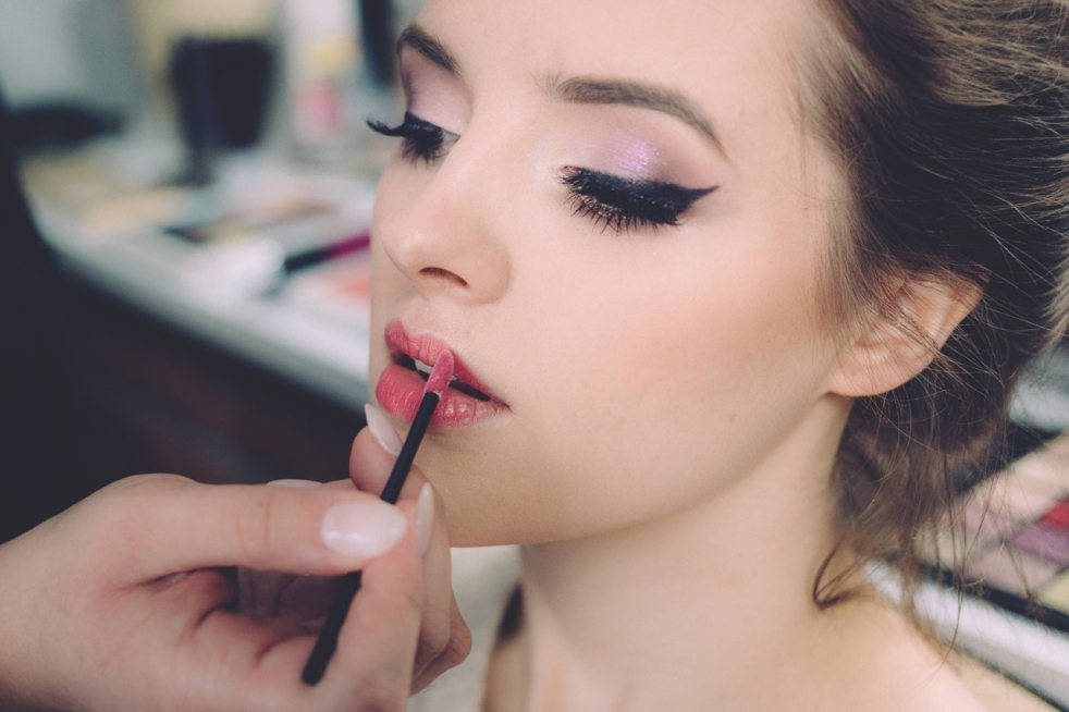 Pick right makeup products based on your skinundertone